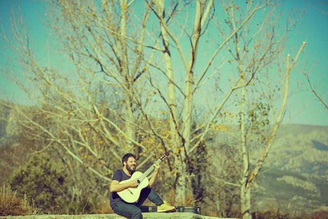 Nueva Playlist de El Kanka con una exquisita mezcla de canciones de sus cuatro discos hasta la fecha. Además, incluimos versiones con colaboraciones de otros artistas. Sonidos Líquidos. Lanzarote