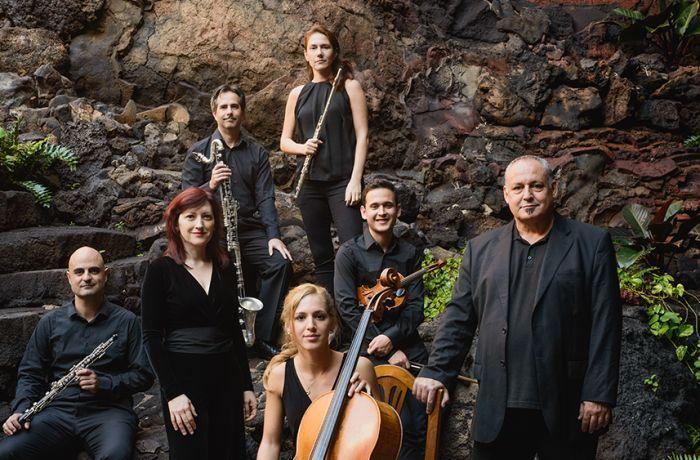 El Festival de Música Visual de Lanzarote contará con un total de 4 conciertos de música contemporánea para su 16ª edición. Sus ecenarios: espacios naturales y únicos de la isla, como el auditorio de los Jameos del Agua y el de la Cueva de los Verdes y el convento de Santo Domingo en Teguise.