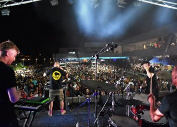 Una jornada difícil de superar en las que bandas como Apollo 440, Species y Heredeiros da Crus llevaron al público de Arrecife en vivo a lo más alto con actuaciones memorables.