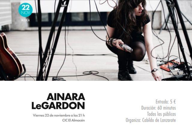 Ainara Legardon presenta su último trabajo en Lanzarote.